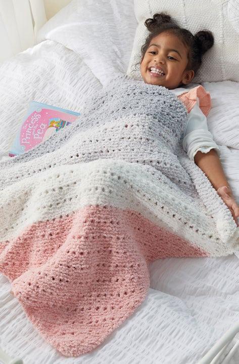 Corner-to-Corner-Hug-Me-Blanket-Free-Knitting-Pattern-1