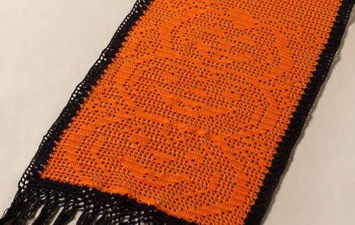 Stacked Pumpkin Table Runner for Aunt Lydias Crochet Thread
